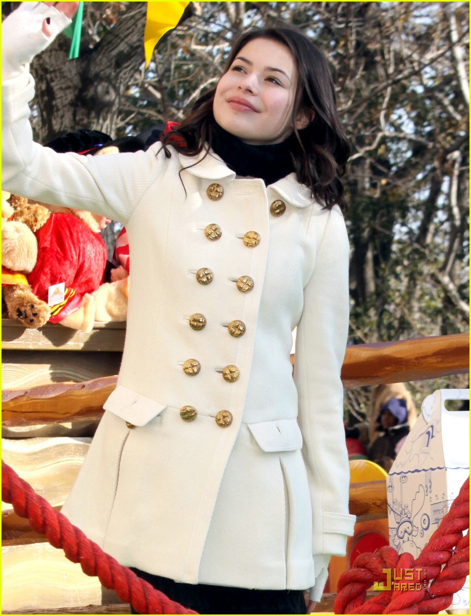 Miranda Cosgrove is Thanksgiving Day Parade Proud   Photo 18481 ...