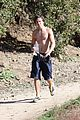 zac efron hollywood hills workout 16