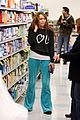 miley cyrus rite aid shopping 06