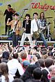 jonas brothers central park party 05
