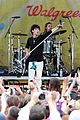 jonas brothers central park party 37