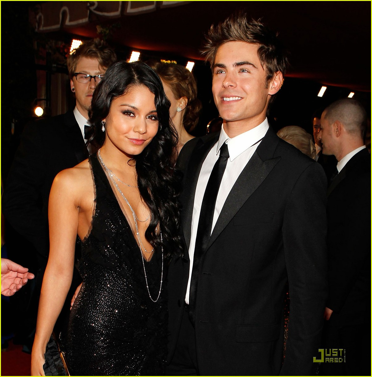Zac 2018 Is Vanessa Efron Dating Hudgens
