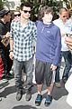 taylor lautner lakers game easter 01