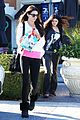 kendall kylie jenner christmas shopping 19