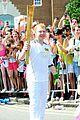 rupert grint olympics torch runner 03