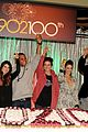 90210 cast celebrate 100 episode 18