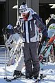 jesse mccartney hits the slopes 25