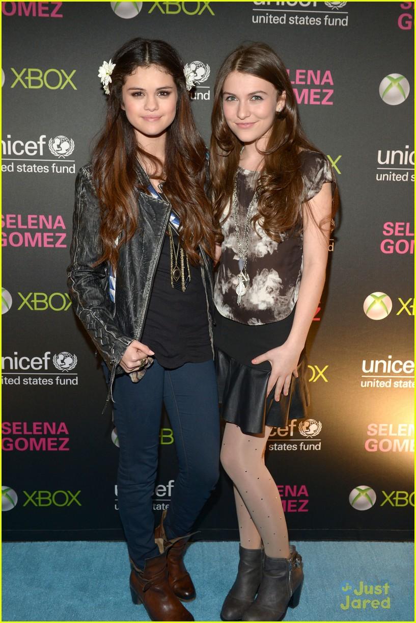 Selena Gomez Bridgit Mendler Unicef Concert Pics Photo 525288
