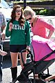 ariel winter julie bowen farmers market meet up 05