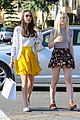 elle fanning saturday shopping spree with mom 04