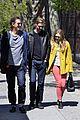 elizabeth soho stroll with boyd holbrook 05