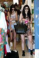 kendall kylie jenner shopping sisters 04