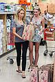 miley cyrus trader joes shopping 07
