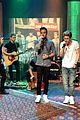 one direction performance preview through the dark 04