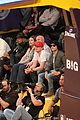 zac efron camera courtside lakers game 01