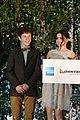 ariel winter nolan gould join modern family cast for qantas party 05