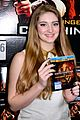 willow shields extra dvd signing 09
