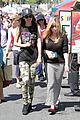 victoria justice jennette mccurdy market meet up 01