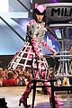 see all of katy perry crazy prismatic tour costumes here 15