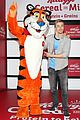 derek hough dances kelloggs recharge bar 03