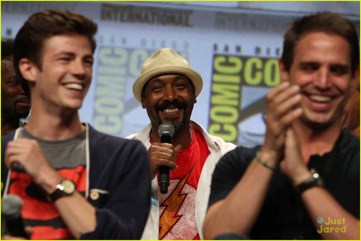 Grant gustin wanted to wear a full superman suit to comic con grant gustin wanted to wear a full superman suit to comic con photo 699917 photo gallery just jared jr m4hsunfo