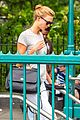 karlie kloss nyc subway lunch with taylor swift 03