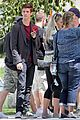 grant gustin emily bett rickards flash arrow crossover filming 28