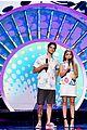 sarah hyland hosting outfits teen choice awards 25