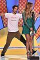 tyler posey jennifer lopez reunion teen choice awards 17