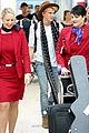 cody simpson selfie sydney airport 03