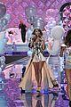 taylor swift victoria secret fashion show performance 17