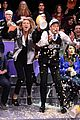 taylor swift does jumbotron dancing with jimmy fallon 08