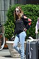 cara delevingne kendall jenner rock out to cake 05