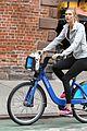 karlie kloss bikes around nyc moscow return 04