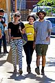 miley cyrus grab sushi lunch before july 4th weekend 27