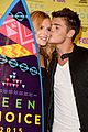 bella thorne gregg sulkin kiss goals teen choice awards 10
