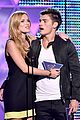 bella thorne gregg sulkin kiss goals teen choice awards 18