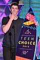shawn mendes wins 2015 teen choice awards 02