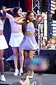 ariana grande focus out october macys event 03