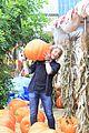 paris berelc will meyers sister stars pumpkin patch 04
