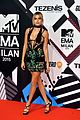 ashley benson hailey baldwin shay mitchell mtv emas 04