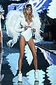 martha hunt stella maxwell victorias secret fashion show 2015 13