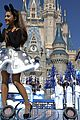 disney christmas parade full lineup pics 01