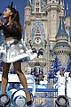 disney christmas parade full lineup pics 09
