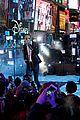 wiz khalifa charlie puth perform see you again on nye 2016 10