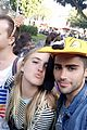 max ehrich veronica dunne cute kissing disneyland 02