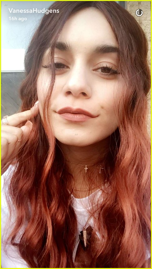 Vanessa Hudgens Debuts New Short Highlighted Hair After Going