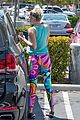 miley cyrus have an afternoon lunch date 32