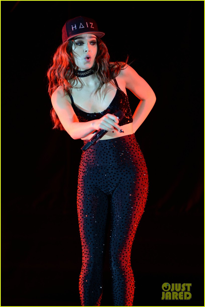 Neofakes Hailee Steinfeld Collection Fakes