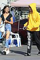 madison beer factice magazine ripped jeans outing 08